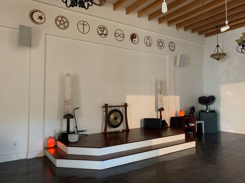 米国 アメリカ メディテーション マインドフルネス 市場 調査 Mystic Journey Yoga クラス スタジオの画像