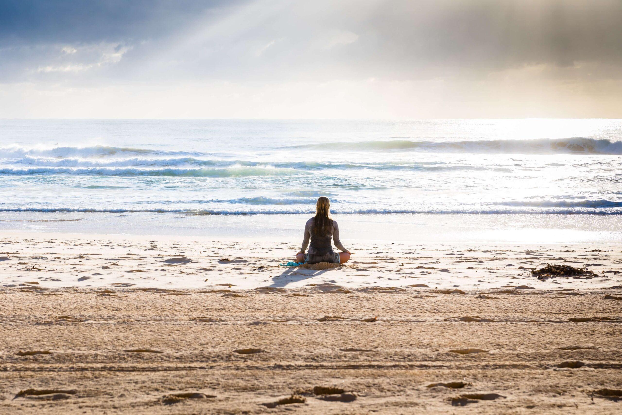 瞑想 ヨガ マインドフルネス 女性